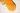 Nahaufnahme von fluessigem gelben Honig auf weißem Hintergrund