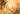 Nahaufnahme von halbtransparenter goldener flüssigkeit
